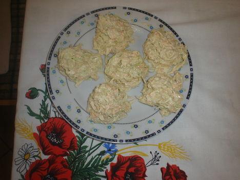 tejfölös majonézes káposztasaláta