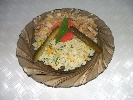 Mustáros gombás csirkrmellcsíkok kukoricás rizzsel