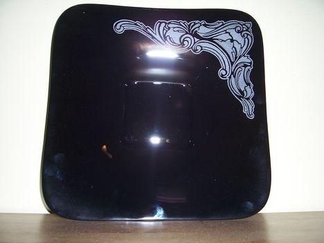 Fekete tál