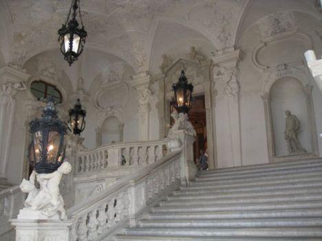 A Belvedere belülről