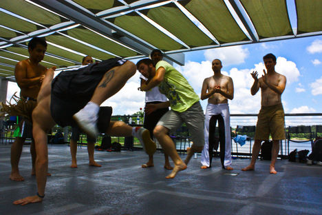 Capoeira_Des_Moines_by_ejschneiders