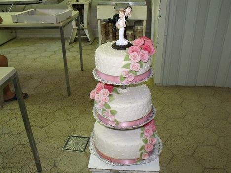 Gyöngyös esküvői torta