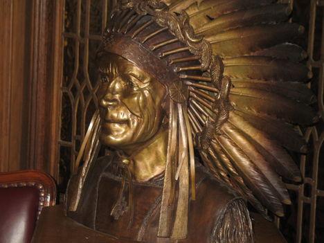Parlament/ indián bronz szobor