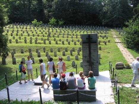 Sopronbánfalva_Hősi temető
