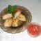 Almás sajtos rántott csirkemell dödölével és paradicsomsalátával