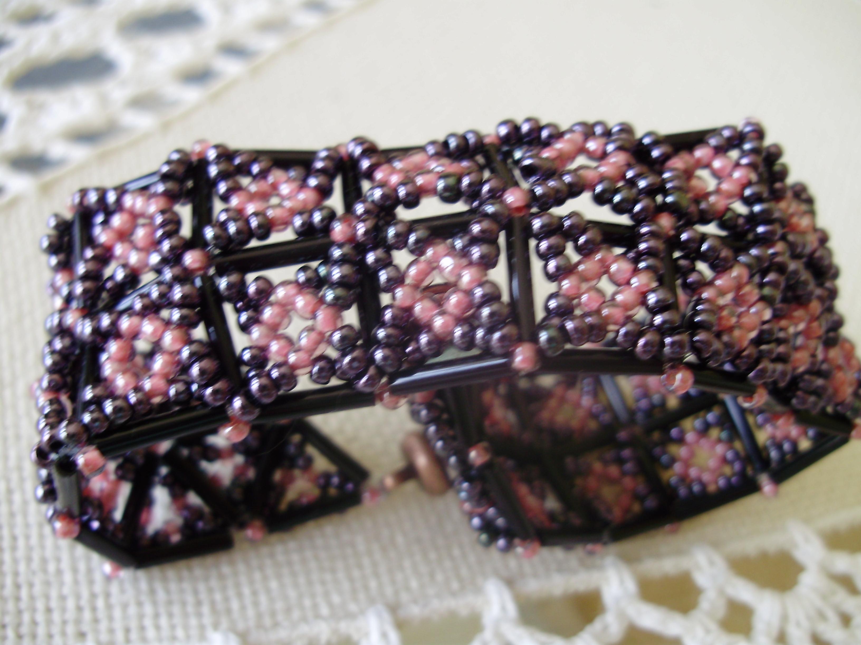 58c9d20b2 Gyöngyékszer: négyzetes karkötő Szilu minta (kép)