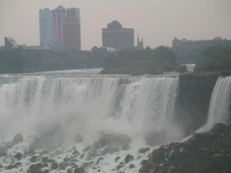 a nagy vízesés Canadai oldalról-szemben Amerika