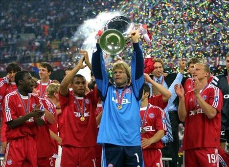 Bayern München trófeával