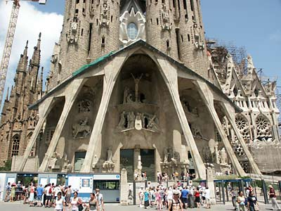 A Sagrada Familia templom bejárata