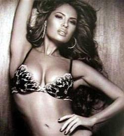 angie valencia drogbárónő,aki nőimodellekkel dolgozott-és3200 dollárt adott fejenkéntt/1 szállítmányért/hogy oda vigyék ahovámondjja-és onnét hozzák ahonnét kell.