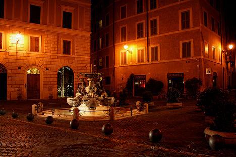 Fontana delle Tartarughe, Piazza Mattei 4