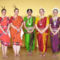 Indiai tánc előadás utána a csoport