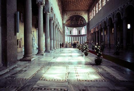 S_Sabina belseje - Róma