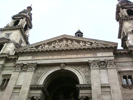 A Bazilika kívülről