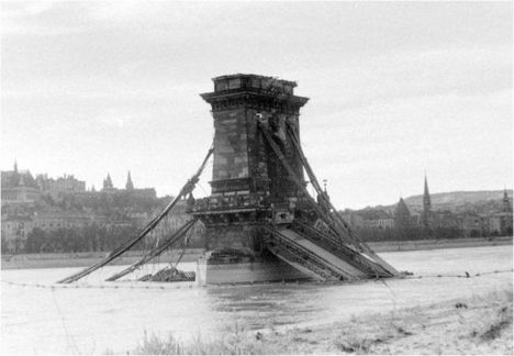 1945 - Lánchíd