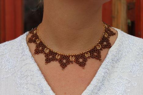 arany-barna ukrán azsúrmintás