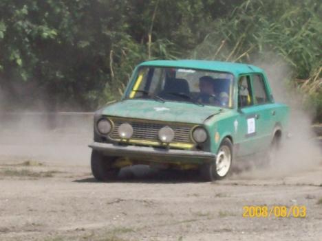 Az egyik Lada-s versenyző