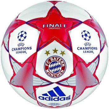 Bayern München labda
