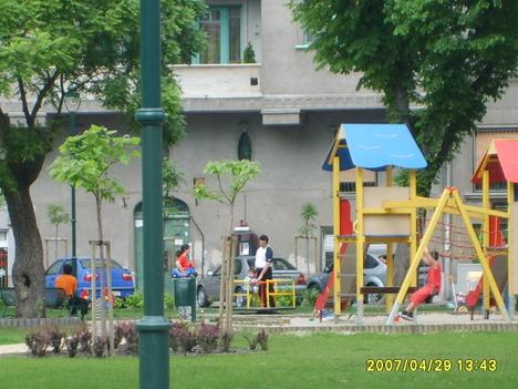 Játszó sarok a Ferenc téren