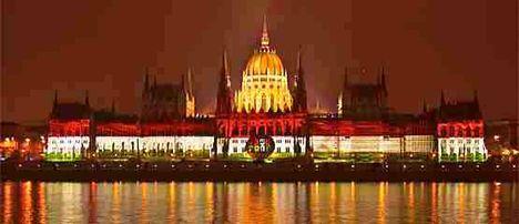 oktober23 a parlament ünnepi díszben