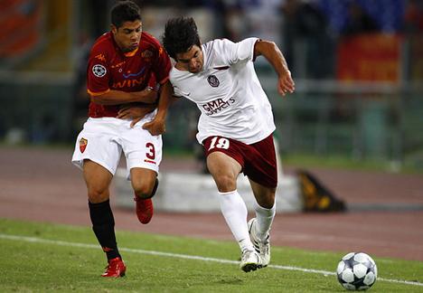 Huan Cúlio (jobbra)