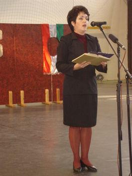 Karsai Klára énekelt és verset szavalt