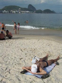 Távolban a Cukorsüveg, Copacabana