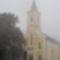 A falu egy ködös őszi napon 1