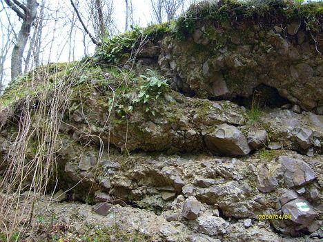 Természetes sziklakert