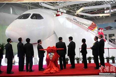 Itt a kínai óriás a Comac C919 13