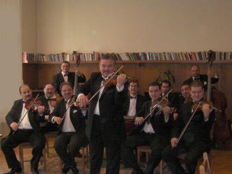 Unicum Gipsy Band-Vezetöprímás Salasovics Dezsö