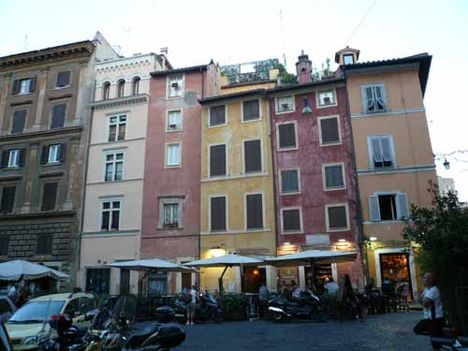 case a piazza della cancelleria