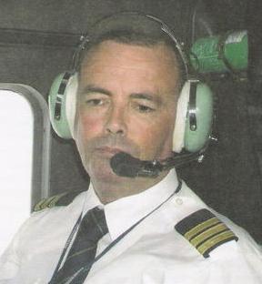 gondos és körültekintő pilóta vezeti a gépet