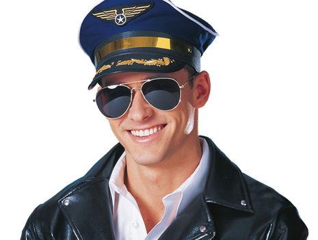 jóképű pilóta