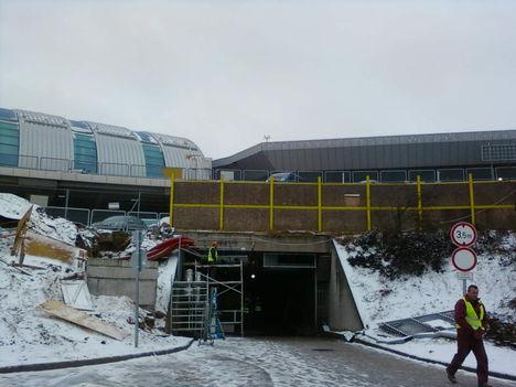 Az új épületrész összekötése a 2A-val