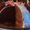 marcipánbevonatú csokibomba felvágva