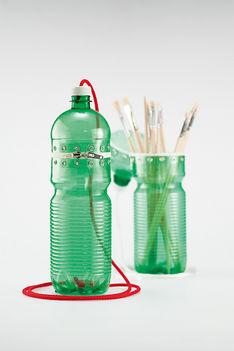 Műanyag palackból zárható toltartó