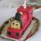 piros vonat torta