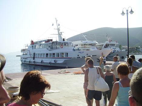 Csodálatos hajókirándulás Skiathos szigetére