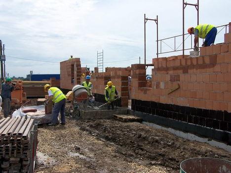Építkezés Felsőzsolcán