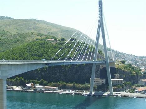 Híd Dubrovnik elött