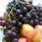 Piros szőlő nyári almával