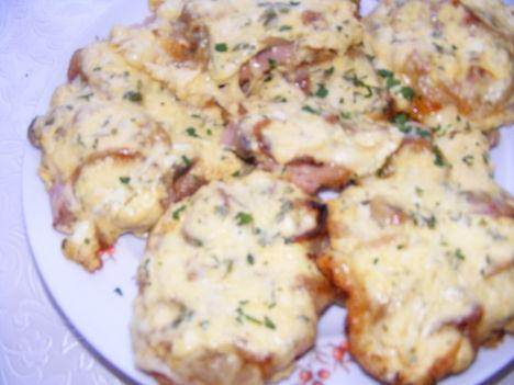 tejfölös sajtos szeletek