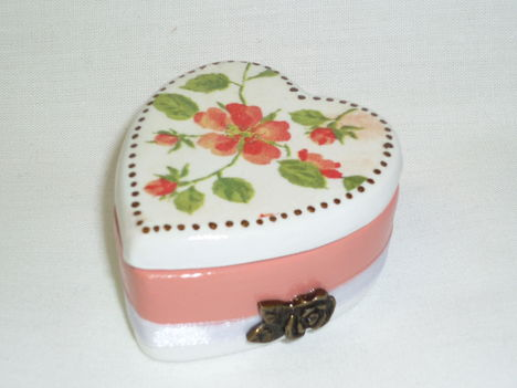 Szív ékszeres dobozka