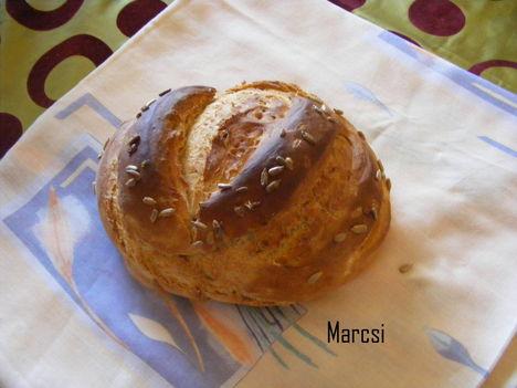 Napraforgó magos kenyér