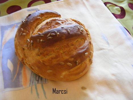 Napraforgós fehér kenyér