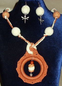 Horgolt nyaklánc