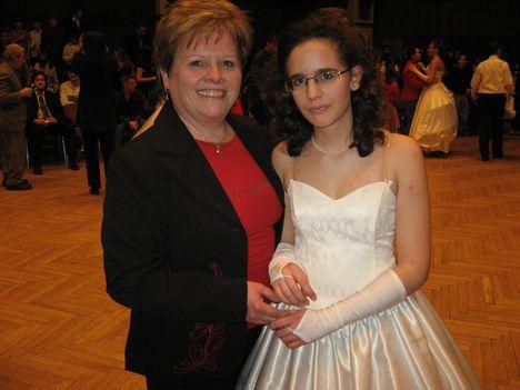 anya és leánya