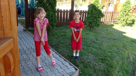 Edina és Hunika ...