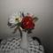 nárciszok és rózsa